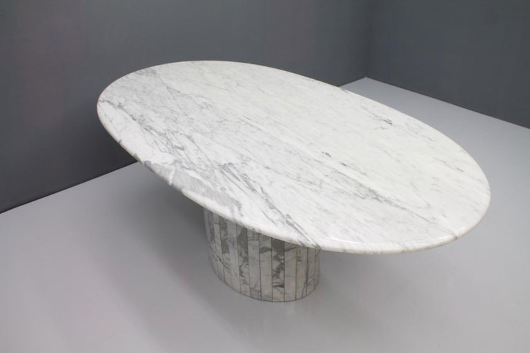 Oval Dining Table in White Carrara Marble, Italy, 1960s For Sale 1