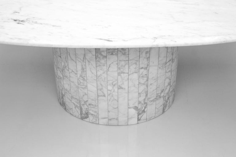 Oval Dining Table in White Carrara Marble, Italy, 1960s For Sale 3
