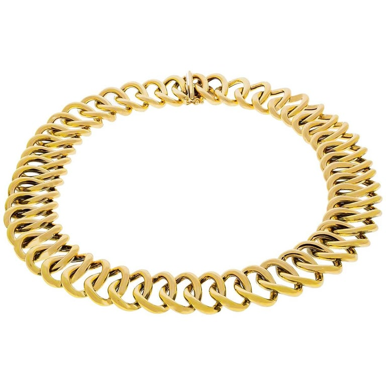 Oval Gold Link Necklace For Sale