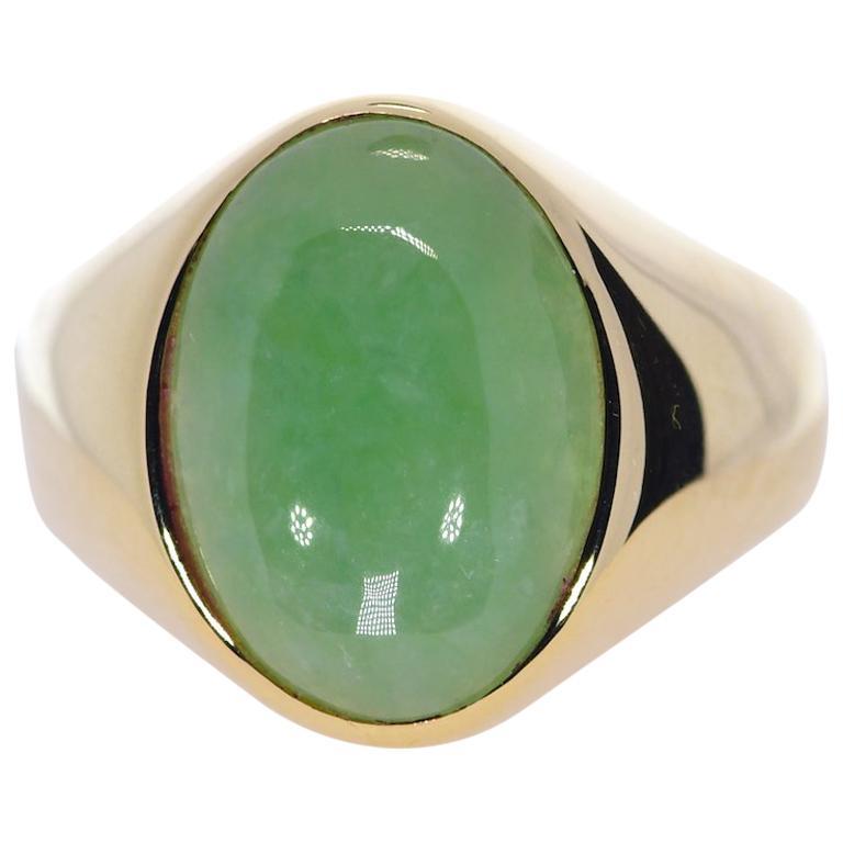 Oval Green Jadeite Jade in 14 Karat Yellow Gold 12 Grams For Sale