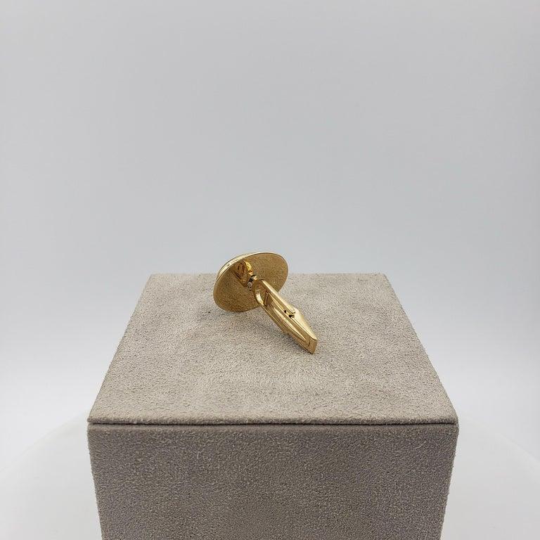 Men's Oval Lapis Lazuli and 14 Karat Yellow Gold Cufflinks For Sale