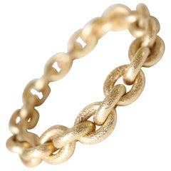 Oval Mesh Bracelet in 18 Karat Yellow Gold Brushed Satin Hammered Mesh