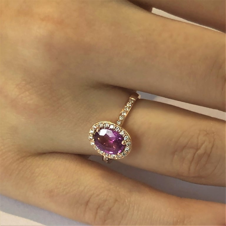 Oval Pink Sapphire and Diamond Rose Gold Cocktail Ring Weighing 1.75 Carat In New Condition For Sale In New York, NY