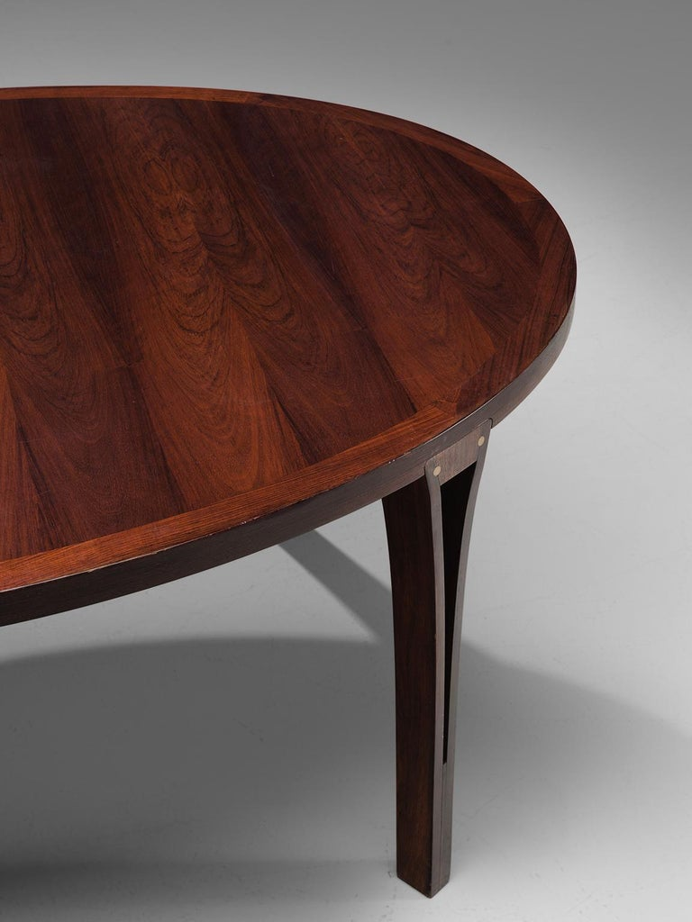Oval Rosewood Dining Table with Brass Details In Good Condition For Sale In Waalwijk, NL
