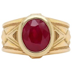 Oval Ruby 18 Carat Yellow Gold Geometric Ring