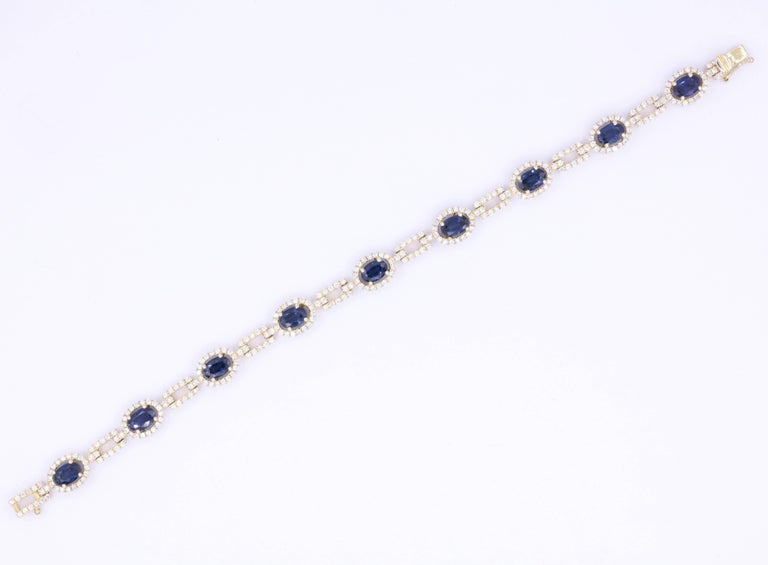 Contemporary Oval Sapphire and Diamond Yellow Gold Bracelet 8.63 Carat For Sale
