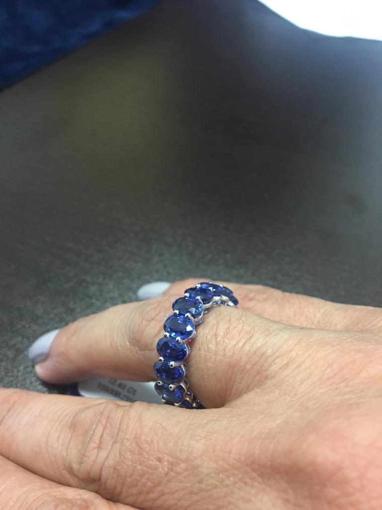 Oval Sapphire Eternity Ring 12 Carat For Sale 2