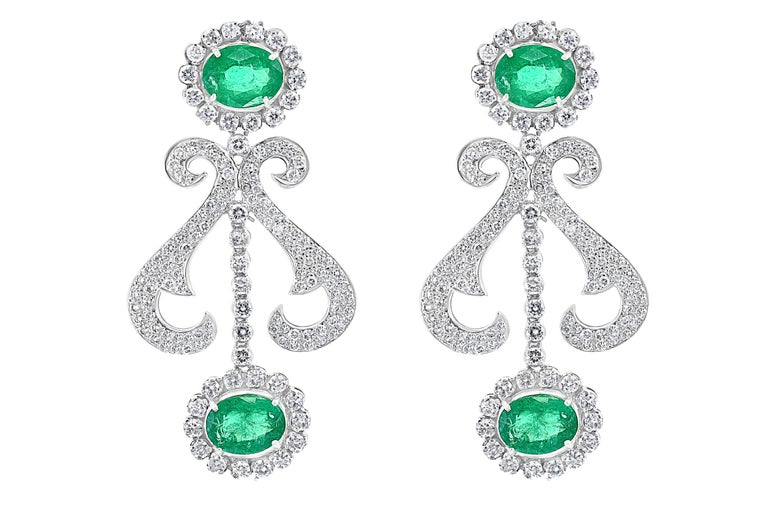 Oval Shape Zambian Emerald and Diamond Fringe Necklace and Earring Bridal Suite For Sale 8