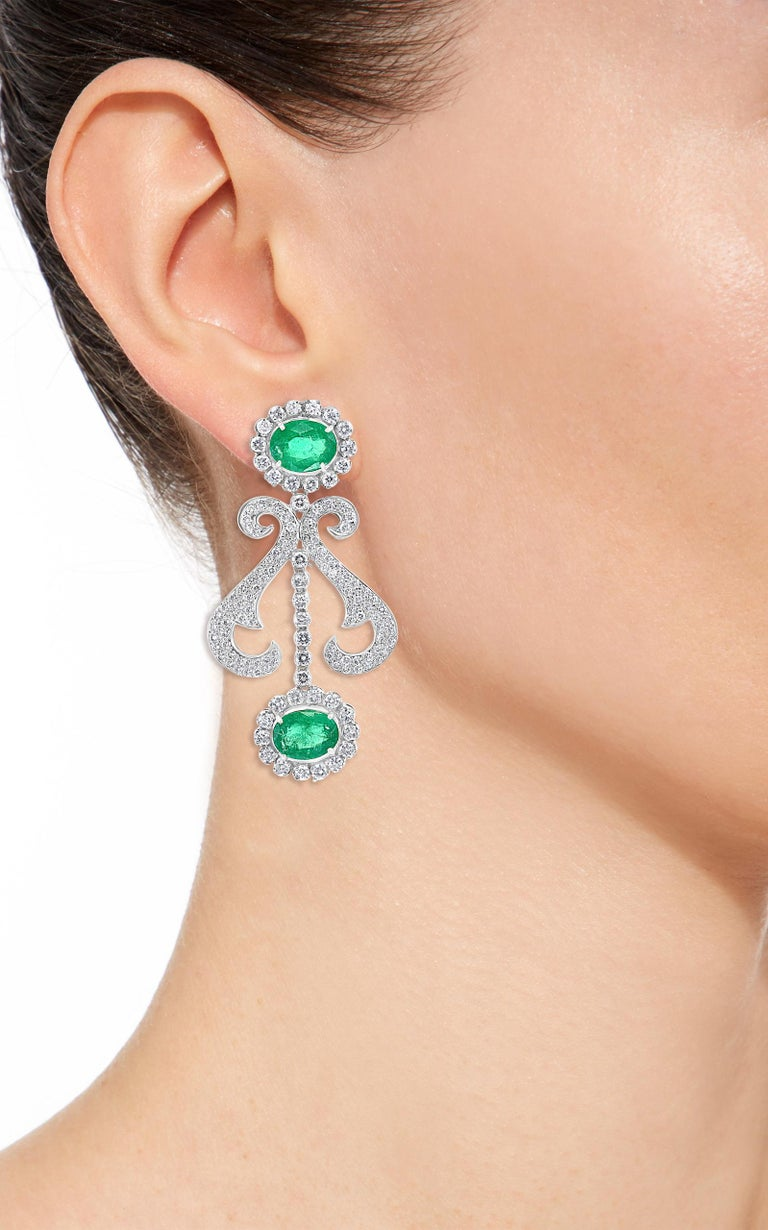 Oval Shape Zambian Emerald and Diamond Fringe Necklace and Earring Bridal Suite For Sale 9