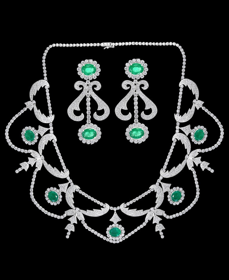 Oval  Shape Zambian  Emerald And Diamond fringe  Necklace  Earring  Bridal Suite Estate  Emerald & diamond necklace of classic design, featuring  oval emeralds, suspending , articulated fringe of circular, round shaped diamonds, and Oval-cut