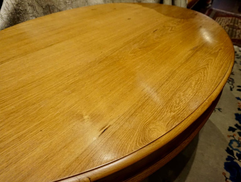 Oval Teak Dining Table/ Desk Colonial In Good Condition For Sale In Vancouver, British Columbia