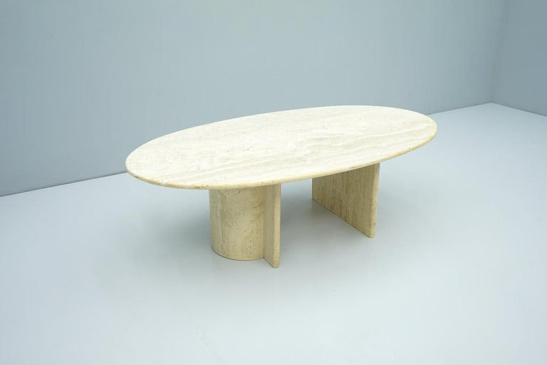 Oval Travertine Coffee Table, Italy, 1970s In Good Condition For Sale In Frankfurt / Dreieich, DE