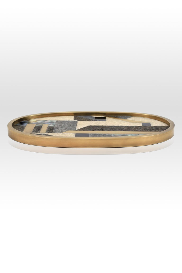 Oval Tray inlaid in Blue Shell and Brass by Kifu, Paris For Sale 10