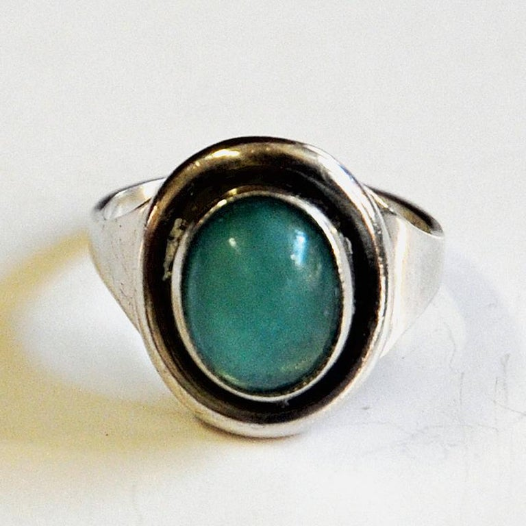 Oval Turquoise Stone Silvering by Sven Holmström, 1950s, Sweden In Good Condition For Sale In Stockholm, SE
