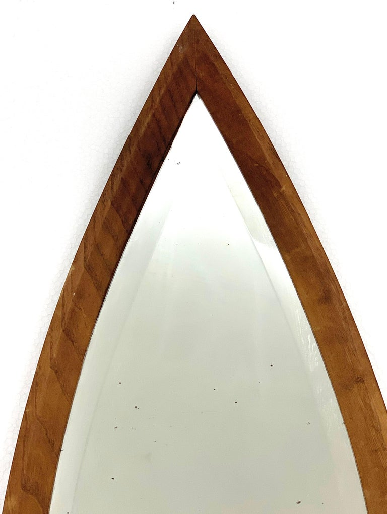 Oval Wall Mirror, Eye-Shaped, Wood Frame, 1950s Italy Mid-Century Modern For Sale 4