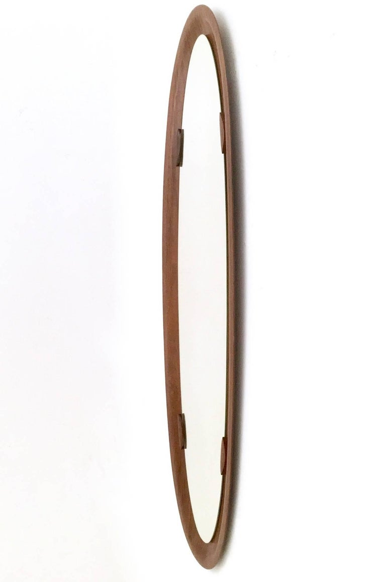 Made in curved wood.