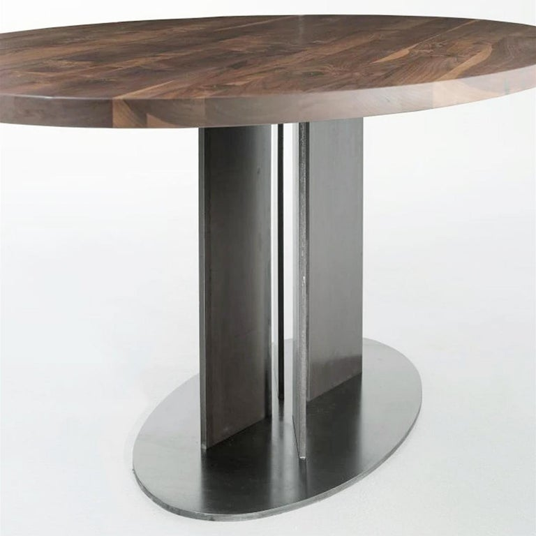 Oval Walnut Dining Table In New Condition For Sale In Paris, FR