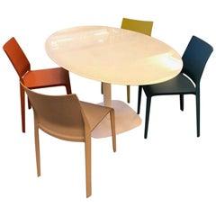 Ovaler Kleiner Weißer Glas Konferenztisch