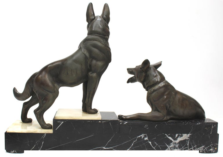 Louis-Albert Carvin Dog Animalier Art Deco Sculpture in Marble and Bronze  For Sale 1