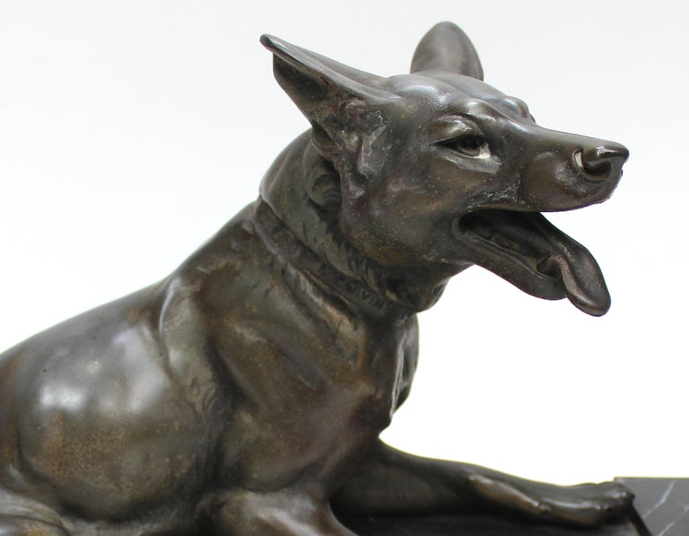Louis-Albert Carvin Dog Animalier Art Deco Sculpture in Marble and Bronze  For Sale 2