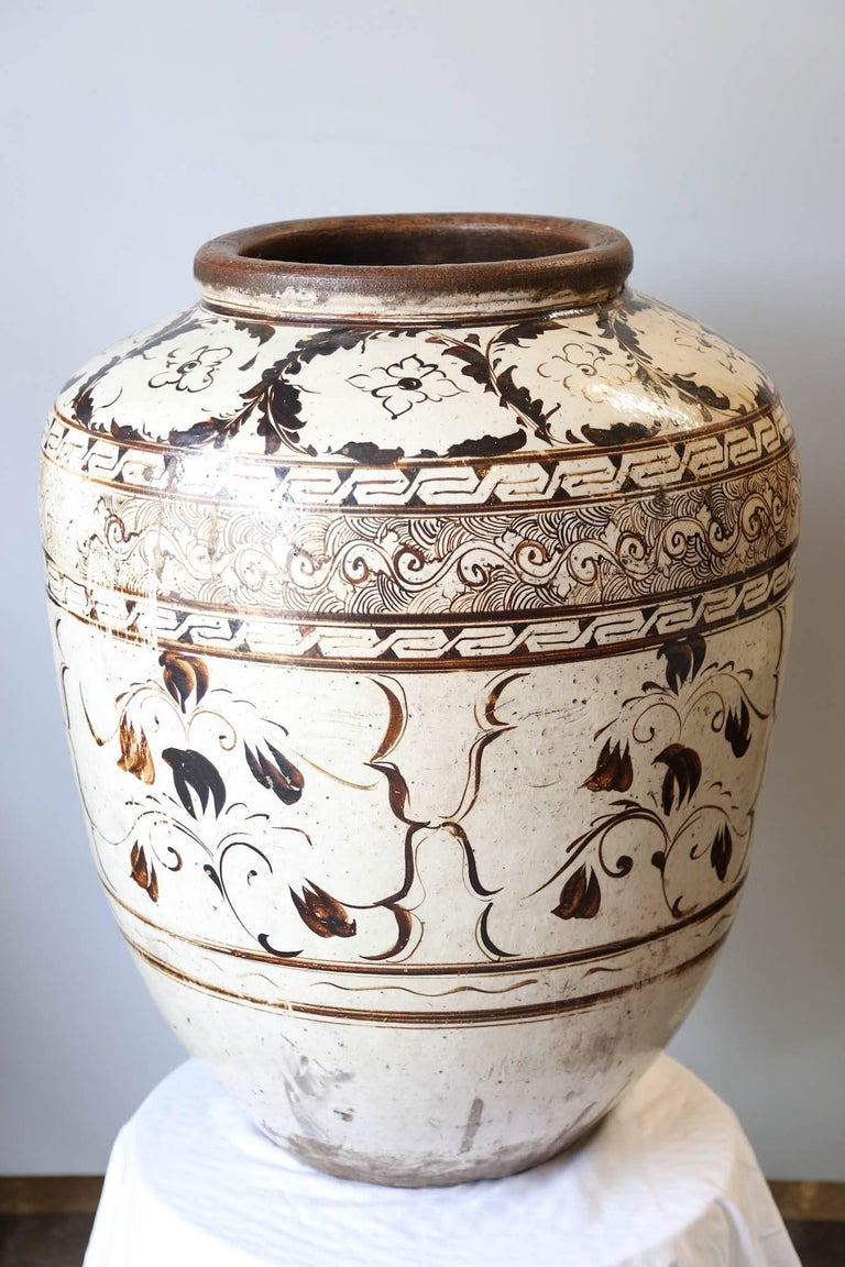 Stoneware Over sized Chinese Ming Dynasty Cizhou Ware Ceramic Jar For Sale