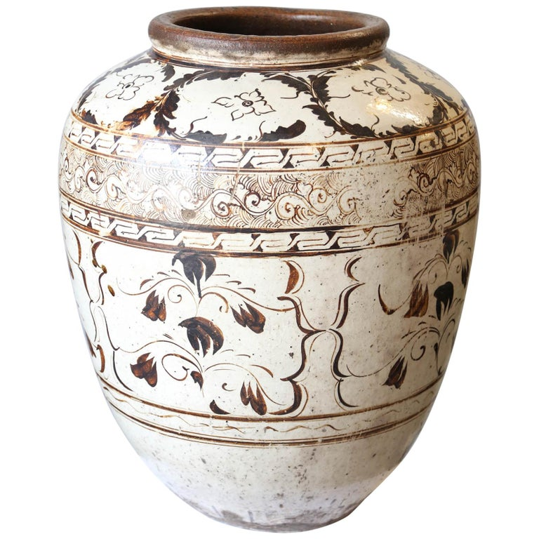 Over sized Chinese Ming Dynasty Cizhou Ware Ceramic Jar For Sale
