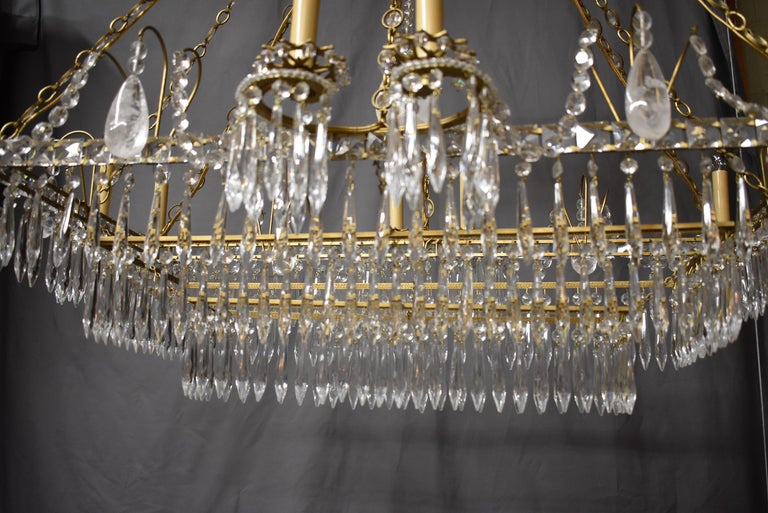 Oversize French Style Crystal and Brass Chandelier For Sale 1