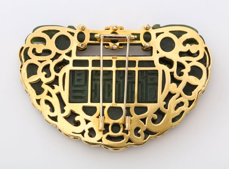Oversize Nephrite Jade Clip Şet in 18 Karat Yellow Gold For Sale 4