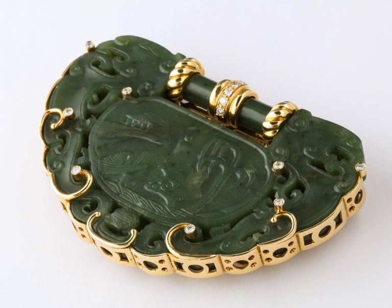 Uncut Oversize Nephrite Jade Clip Şet in 18 Karat Yellow Gold For Sale