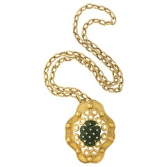 Oversize Nephrite Pendant on Removable Textured Chain