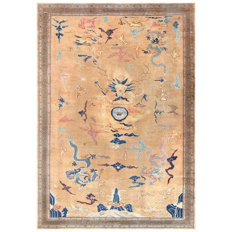 Oversized Antique Dragon Design Chinese Rug. Size: 15 ft 4 in x 22 ft For Sale