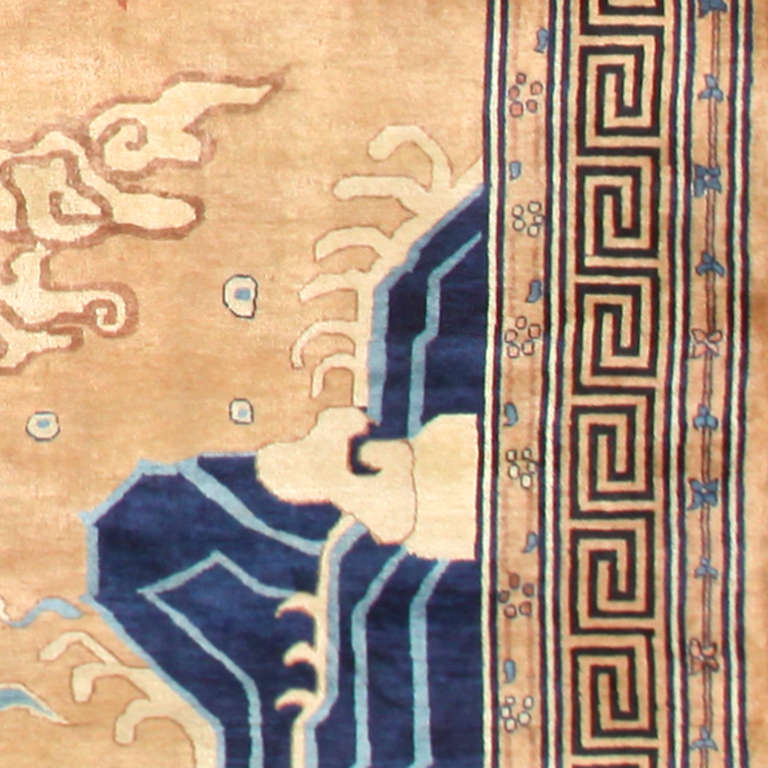 20th Century Oversized Antique Dragon Design Chinese Rug. Size: 15 ft 4 in x 22 ft For Sale