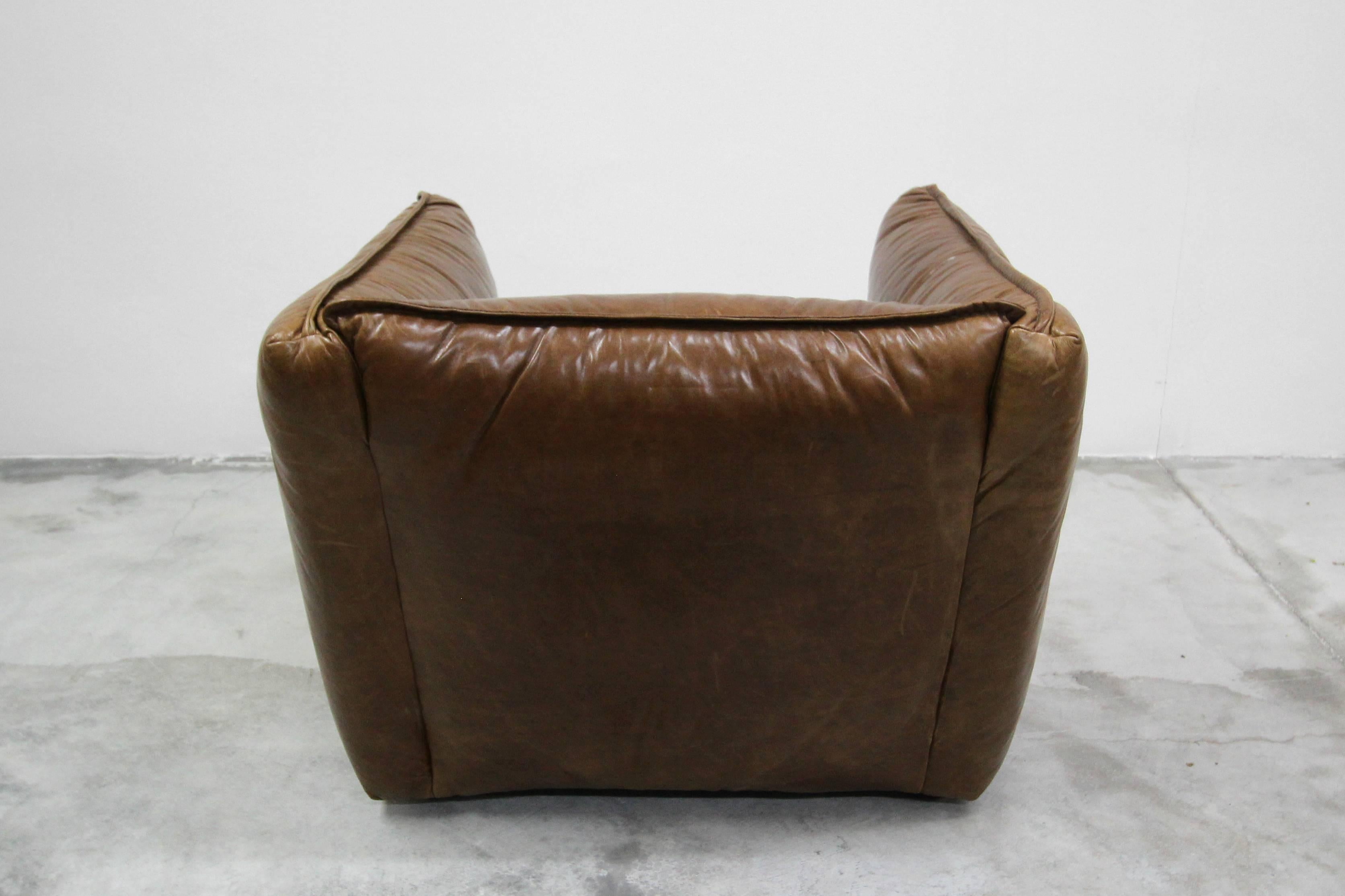 Superieur Oversized Cigar Leather Club Chair For Sale 1
