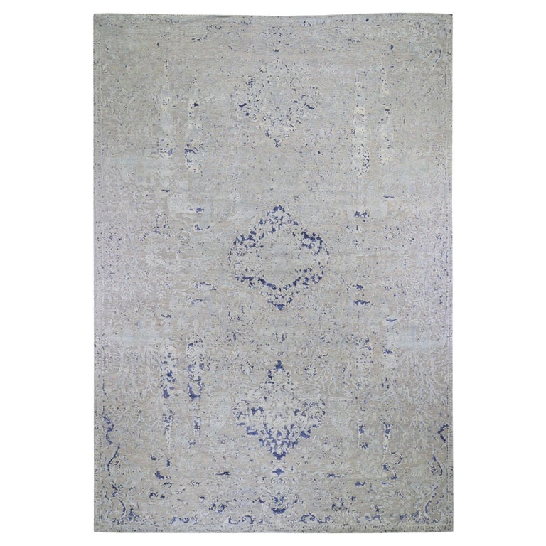 Oversized Diminishing Cypress Tree with Medallion Design Silk with Textured Wool For Sale