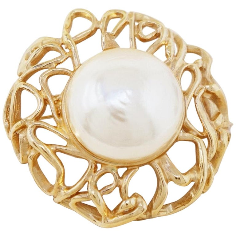Oversized Gilt & Mabe Pearl Abstract Brutalist Brooch by Vogue Bijoux, 1980s For Sale