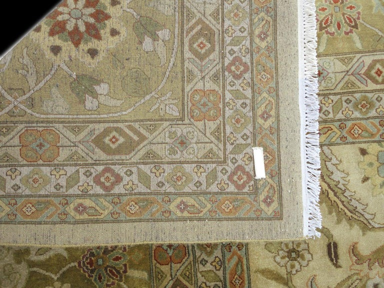 Oversized Kohinoor Rug Wool Pile Greys and Greens In New Condition For Sale In Lohr, Bavaria, DE