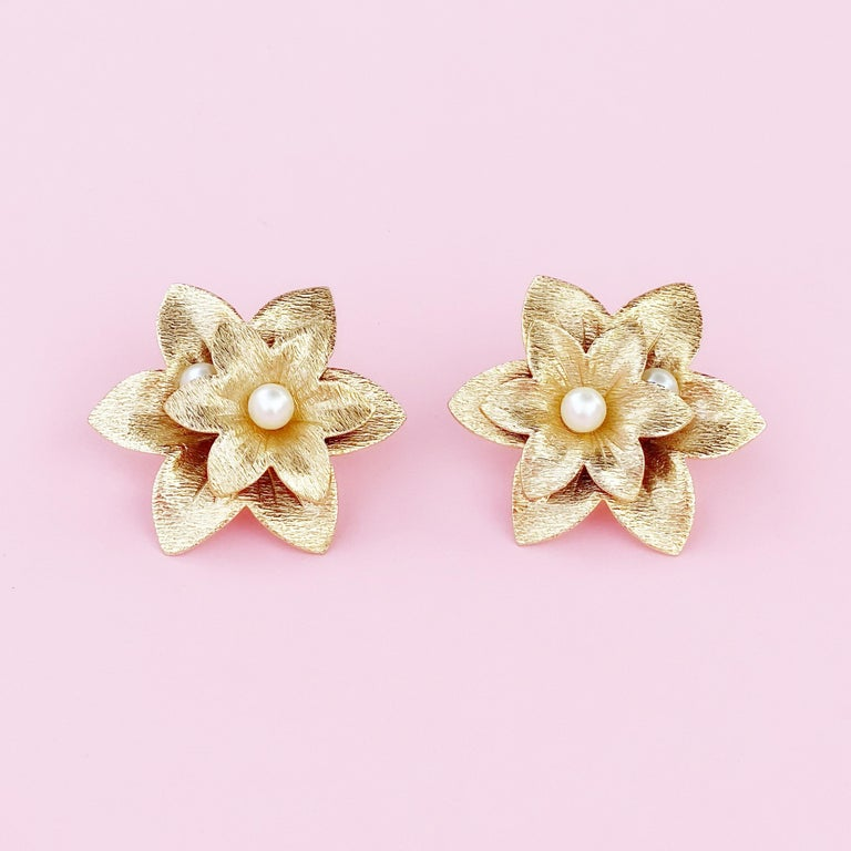 Modern Oversized Textured Gold Flower Earrings By Sarah Coventry, 1970s For Sale