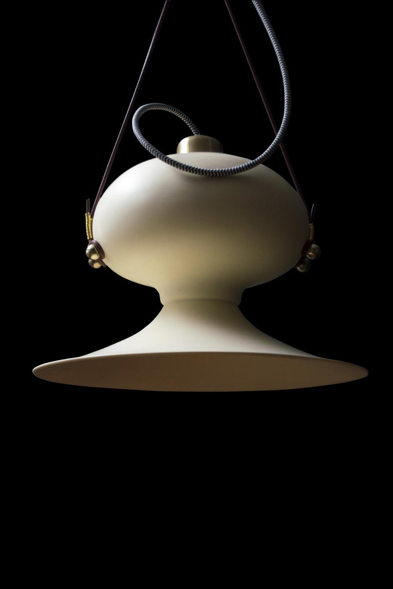 Cast Ovoide n.° 3 Resin Pendant Hanging Light with Brass and Leather Details For Sale