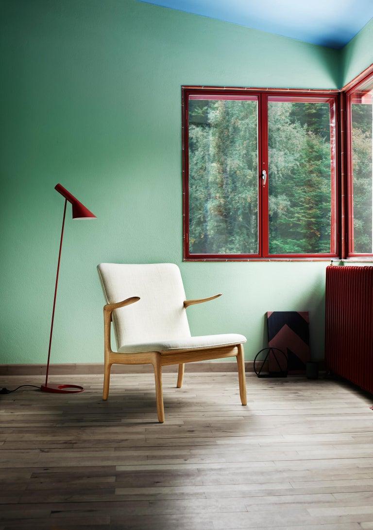 OW124 Beak Chair in Walnut Oil by Ole Wanscher For Sale 4