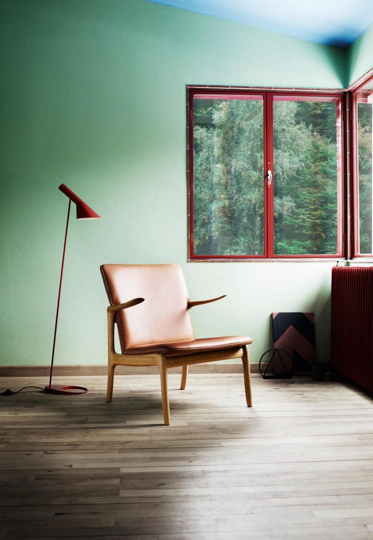 OW124 Beak Chair in Walnut Oil by Ole Wanscher For Sale 5