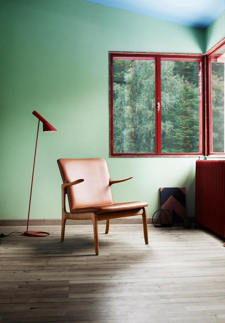 OW124 Beak Chair in Walnut Oil by Ole Wanscher For Sale 6