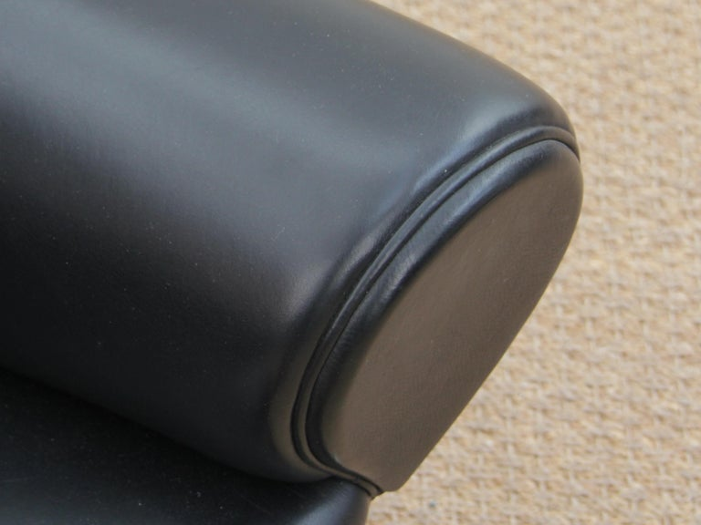 Ox Lounge Chair, Vintage Edition 2006, Black Leather For Sale 1