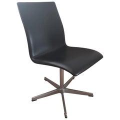 Oxford Schwarzer Eleganter Leder Stuhl von Arne Jacobsen für Fritz Hansen