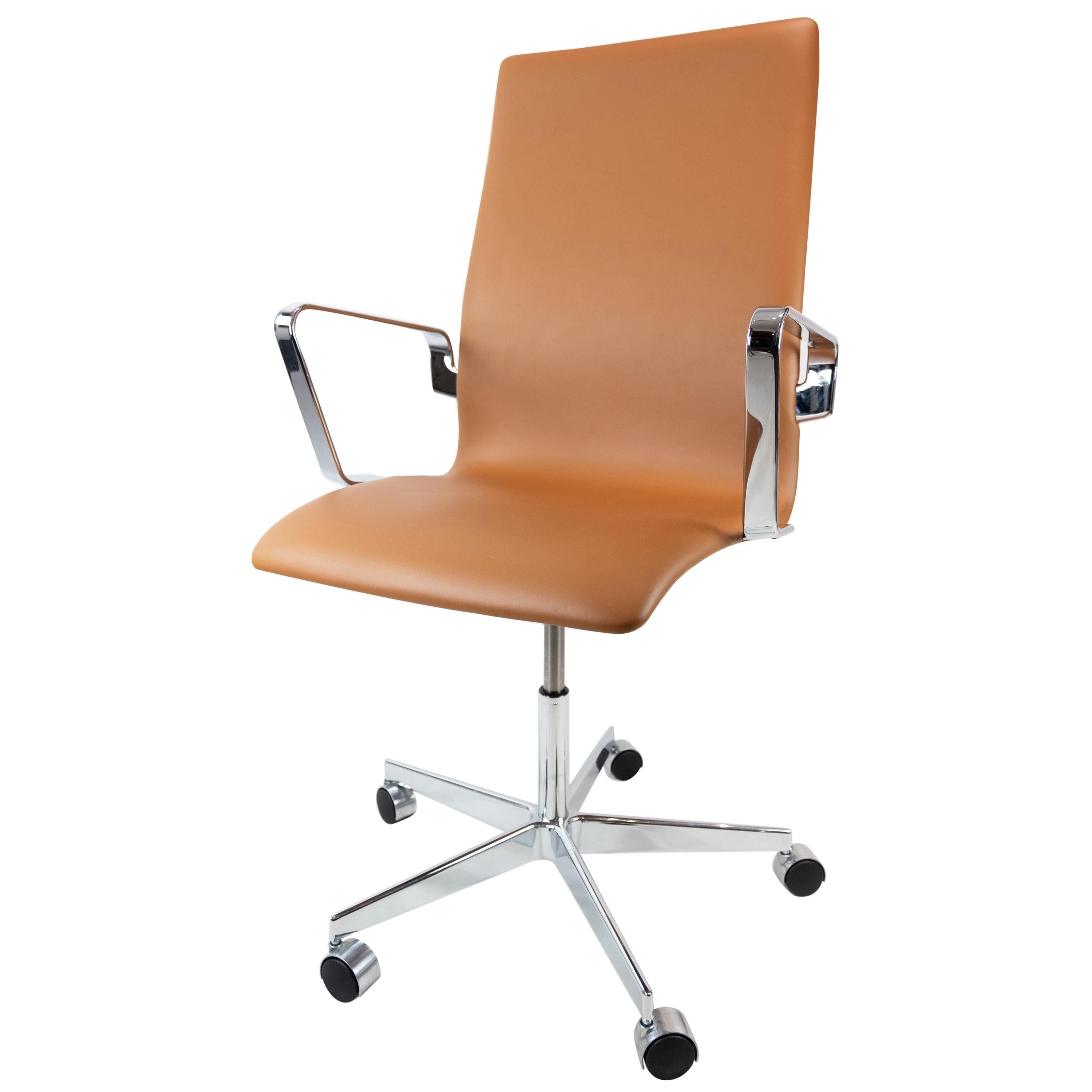 Oxford Classic Office Chair, Model 3293C, by Arne Jacobsen