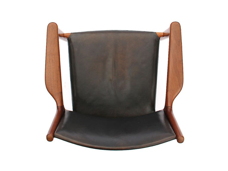 Mid-20th Century Oxhide Teak Lounge Chair by Hans J. Wegner For Sale