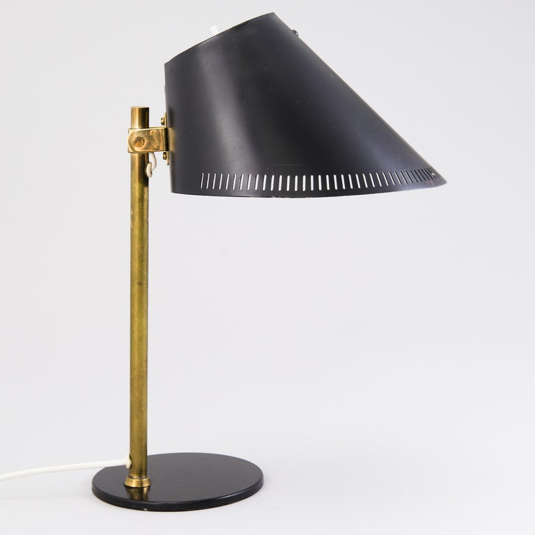 """Mid-Century Modern """"9227"""" Paavo Tynell 1950s Black and Brass Desk Lamp For Sale"""