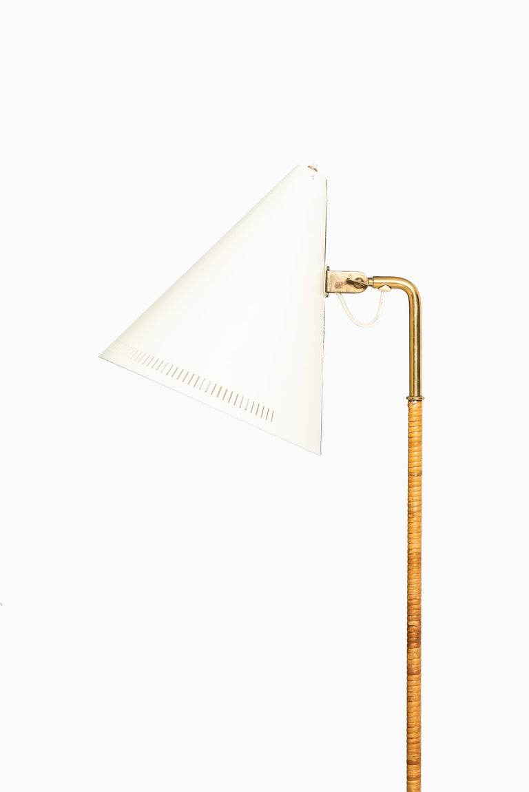 Mid-20th Century Paavo Tynell Early Floor Lamp Model K-10-10 by Taito Oy in Finland For Sale