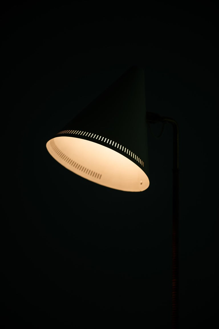 Paavo Tynell Early Floor Lamp Model K-10-10 by Taito Oy in Finland For Sale 1