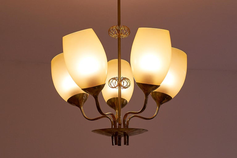 Mid-20th Century Paavo Tynell Five Arm Brass Chandelier Designed for Kuopio Hospital, Taito, 1949 For Sale