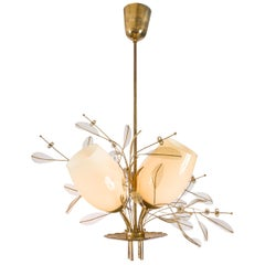 Paavo Tynell Model 9029/4 Brass & Glass Floral Chandelier for Taito Oy, Finland